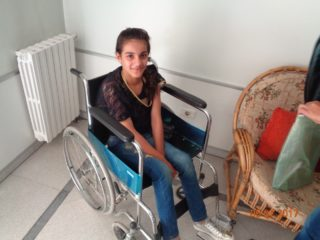 RS142385_SYR504-MECH-17-Profile_photo_of_Leen_in_the_physiotherapy_clinic_in_Damascus-D11.jpg_964_723